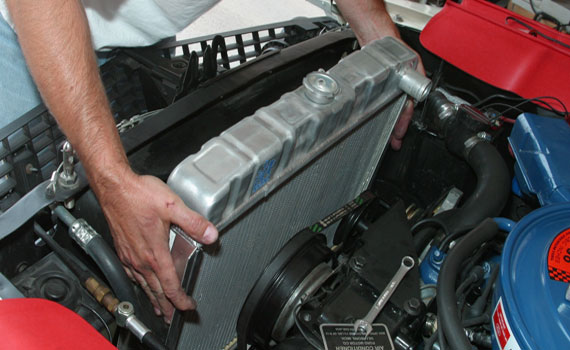 zamena-radiatora-v-avto